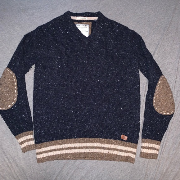 MCNEAL mens v neck sweater lambswool Medium